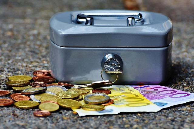 Kredyt a pożyczka na raty