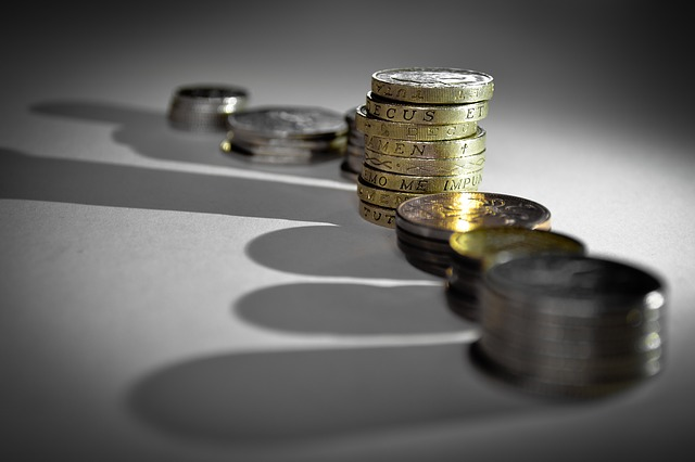 Pożyczka a kredyt